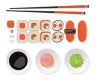 Conjunto del sushi La vista superior del sistema clásico del sushi rueda con los salmones, tajada Imagen de archivo libre de regalías