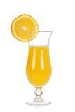 Conjunto del vidrio de cóctel. Huracán con el zumo de naranja y la rebanada anaranjada Imágenes de archivo libres de regalías