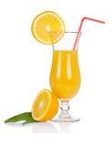 Conjunto del vidrio de cóctel. Huracán con el zumo de naranja y la rebanada anaranjada Foto de archivo libre de regalías