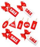 Conjunto grande de etiquetas de las ventas con el arqueamiento y la cinta rojos del regalo Imágenes de archivo libres de regalías