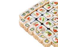 Conjunto grande del rodillo del sushi con diversos componentes Fotografía de archivo libre de regalías