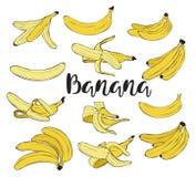 conjunto Plátano pelado en la cáscara fotos de archivo