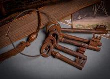Conjunto rústico antiguo del clave Imagen de archivo libre de regalías