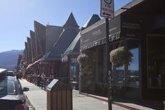 Connaught gata i den i stadens centrum jaspisen, Alberta Arkivfoto