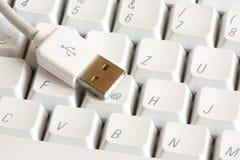 Connecteur d'USB sur un clavier photographie stock