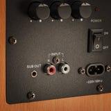 Connecteurs et boutons de haut-parleur audio professionnel Photographie stock