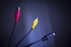 Connecteurs rouges, jaunes et noirs de TV photos stock