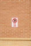 Ruelle de feu de stationnement interdit Images libres de droits