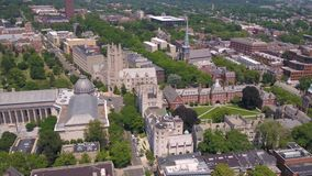 Connecticut New Haven julho de 2017 aéreo Sunny Day 4K inspira 2 vídeos de arquivo