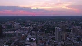 Connecticut New Haven la puesta del sol aérea 4K de julio de 2017 inspira 2 almacen de metraje de vídeo