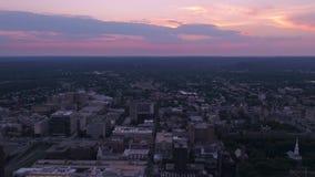 Connecticut New Haven o por do sol aéreo 4K do julho de 2017 inspira 2 vídeos de arquivo
