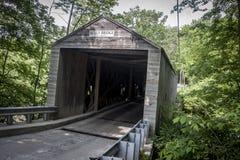Connecticut täckte bron royaltyfri fotografi