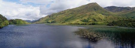 爱尔兰/Connemara湖视图 免版税库存图片