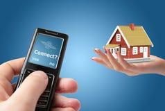 Connetta al telefono mobile. immagini stock
