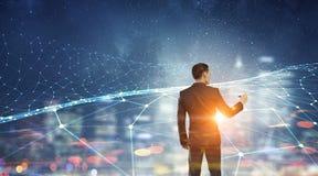 Connettività e comunicazione come chiavi a successo Media misti fotografie stock libere da diritti