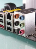 Connettori e digi di bordi 5,1 della scheda madre audio Fotografia Stock Libera da Diritti