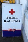 Connexion britannique de Croix-Rouge la rue de l'Ecosse au R-U, 06 08 2015 Photos stock