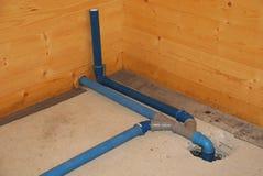 Connexion de bassin dans la Chambre partiellement construite Photo stock