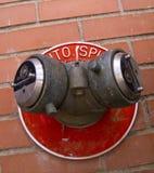 Connexion de corps de sapeurs-pompiers Images stock