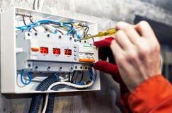 Connexion du système d'alimentation d'énergie de l'électricité photographie stock libre de droits