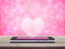 Connexion en ligne d'amour d'Internet, concept de jour de valentines Images stock