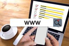 Connexion en ligne de navigateur d'ordinateur de page Web d'Internet de site Web de WWW Photographie stock libre de droits