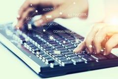 Connexion et mise en réseau sociales Media mélangé Photographie stock