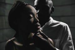 Connexion forte d'amour Concept de sexe sûr Jeune fashionab image stock