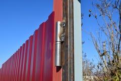 Connexion par la soudure des tuyaux de place en métal Photographie stock libre de droits