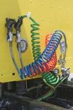 Connexions de frein à air sur le nouveau Semi-camion Photographie stock libre de droits