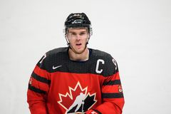 Connor McDavid podczas gry między drużynowym Latvia Kanada i drużyną, Fotografia Stock