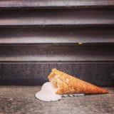 Cono de helado derramado Fotografía de archivo libre de regalías