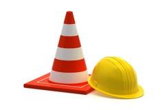 cono di traffico e casco della costruzione del lavoratore Immagini Stock Libere da Diritti