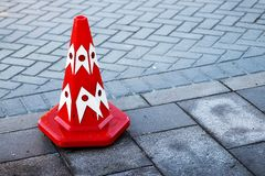 Cono di traffico per il rotolo di traffico Fotografie Stock