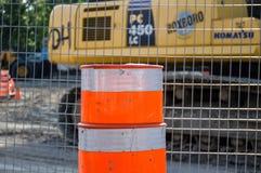 Cono di traffico sulla strada della costruzione Fotografia Stock Libera da Diritti