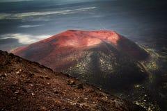 Cono dopo l'eruzione del vulcano di Tolbachik in Kamchatka fotografie stock