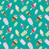 Cono gelato e modello senza cuciture della barra di gelato su verde Fotografia Stock Libera da Diritti