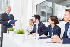 Conocimiento de los candidatos de la prueba de Manager del encargado Imagenes de archivo