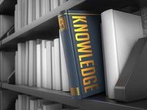 Conocimiento - título del libro Concepto social de los media Fotos de archivo