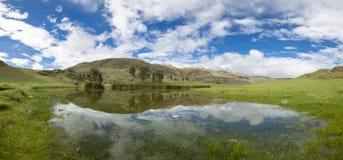 Conococha jezioro z wodnymi odbiciami, Huaraz w Peru Obrazy Royalty Free
