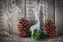 Conos caseros del pino de la decoración Imagen de archivo