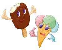 Conos de helado de la fresa, del chocolate, de la vainilla y del pistacho sobre el fondo blanco Imagen de archivo