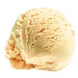 Conos de helado de la fresa, del chocolate, de la vainilla y del pistacho sobre el fondo blanco Cucharada del helado del tiramisu Imagen de archivo