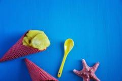 Conos de helado rojos Fotos de archivo