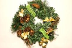 Conos de la decoración de la Navidad foto de archivo