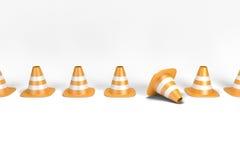 Conos del tráfico en fila incluyendo una trayectoria de recortes Imagen de archivo libre de regalías