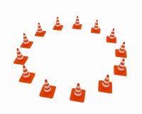 Conos del tráfico situados en un círculo Imágenes de archivo libres de regalías