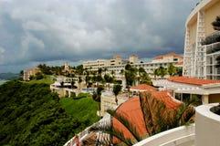 Conquérant d'EL, hôtel côtier dans le secteur de bord de la mer de Fajardo Photographie stock libre de droits