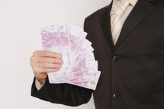 Conquista dell'uomo di affari di 500 euro fatture Immagine Stock Libera da Diritti