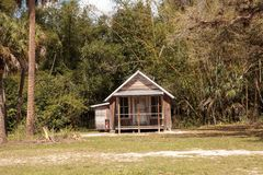 Conrad Schlender Cottage 1903 no parque estadual histórico de Koreshan fotografia de stock royalty free
